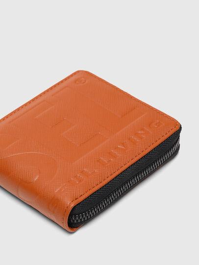 Diesel - HIRESH XS ZIPPI, Orange - Zip-Round Wallets - Image 5