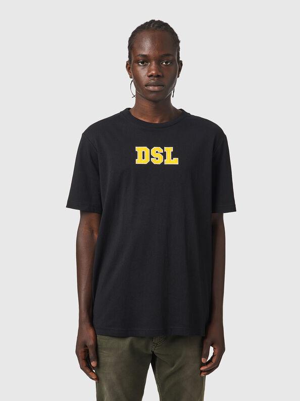https://si.diesel.com/dw/image/v2/BBLG_PRD/on/demandware.static/-/Sites-diesel-master-catalog/default/dw6c5fd00a/images/large/A03507_0QCAH_9XX_O.jpg?sw=594&sh=792