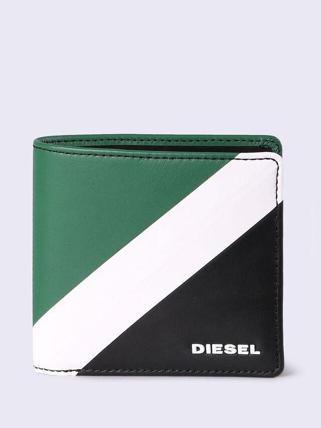 HIRESH S, Green