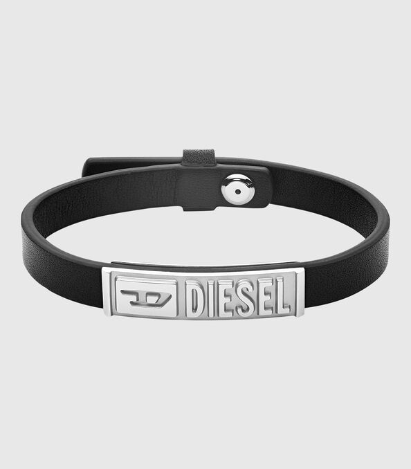 https://si.diesel.com/dw/image/v2/BBLG_PRD/on/demandware.static/-/Sites-diesel-master-catalog/default/dw895c5118/images/large/DX1226_00DJW_01_O.jpg?sw=594&sh=678