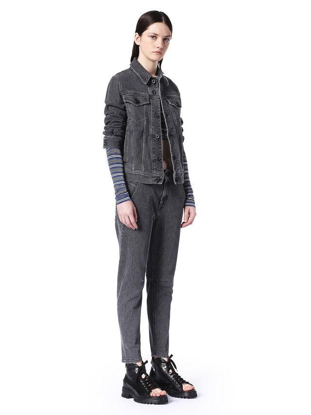 TYPE-1747, Black Jeans