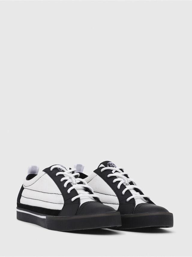 Diesel - D-VELOWS LOW PATCH, Black/White - Sneakers - Image 2