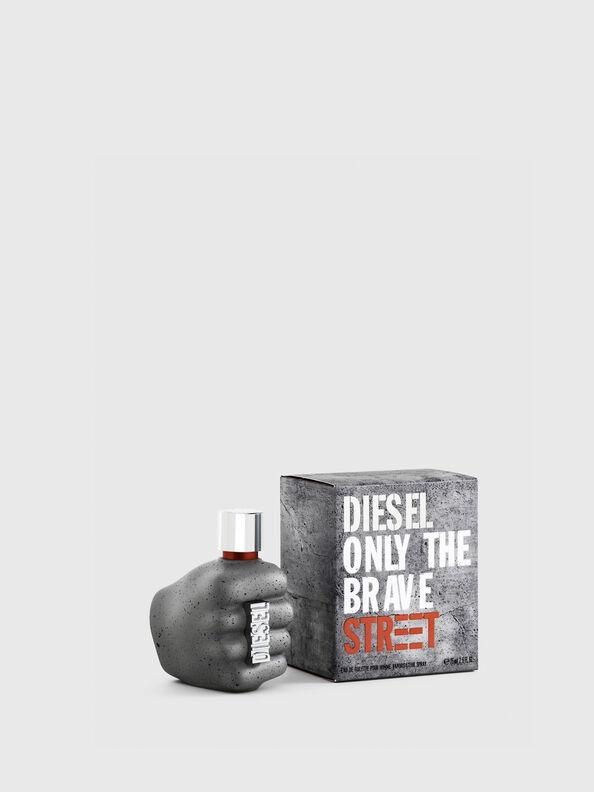 https://si.diesel.com/dw/image/v2/BBLG_PRD/on/demandware.static/-/Sites-diesel-master-catalog/default/dwc23fed44/images/large/PL0457_00PRO_01_O.jpg?sw=594&sh=792