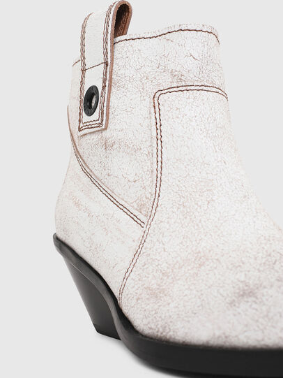 Diesel - D-GIUDECCA MAB, White - Ankle Boots - Image 4