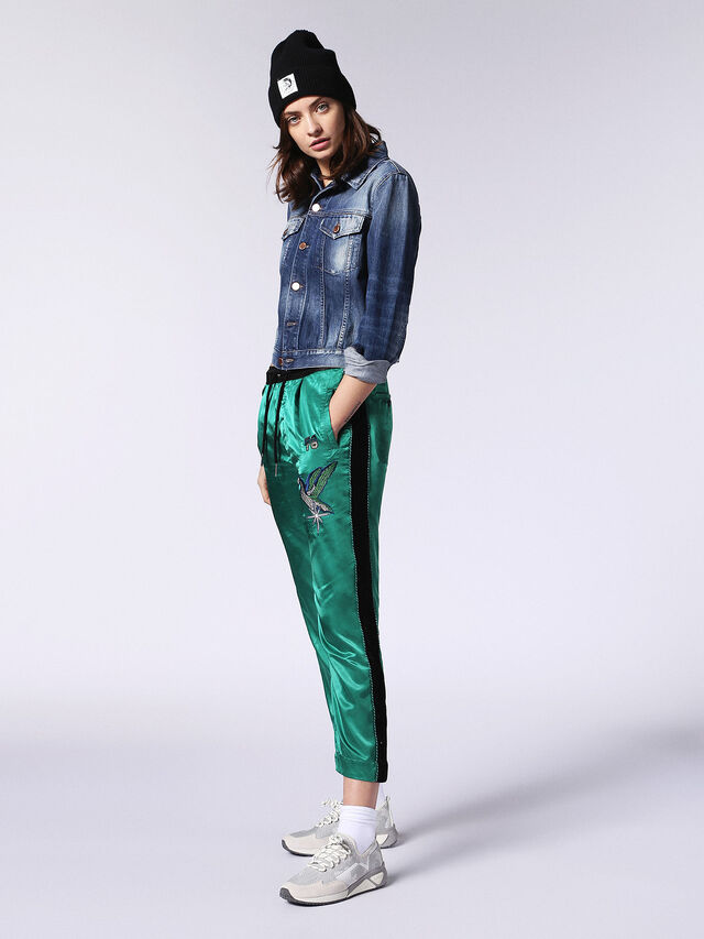 DE-VELVET-T, Blue Jeans
